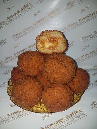 Canicatti, Italy: arancini agli spaghetti
