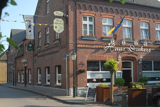 Geldern, Germany: Haus Deckers seit 1863 am Walbecker Markt.