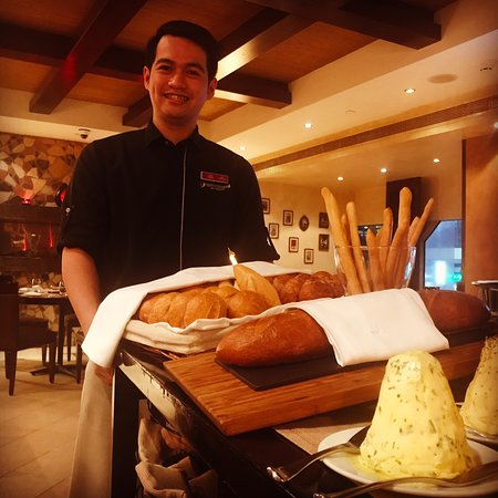 Spaccanapoli ristorante abu dhabi restaurant reviews for Ristorante cipriani abu dhabi
