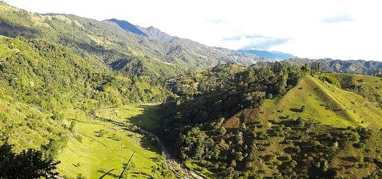 Salento, Colômbia: Sendero ecológico en el Eje Cafetero. Ven a disfrutar un encuentro con la naturaleza!
