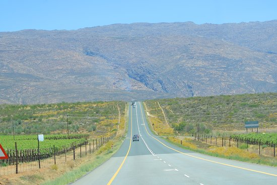 Touwsrivier, South Africa: The road is loooong (singing)
