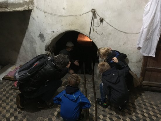 Marrakech Full Day Guided City Tour - Private Tour: Bij de bakkerij