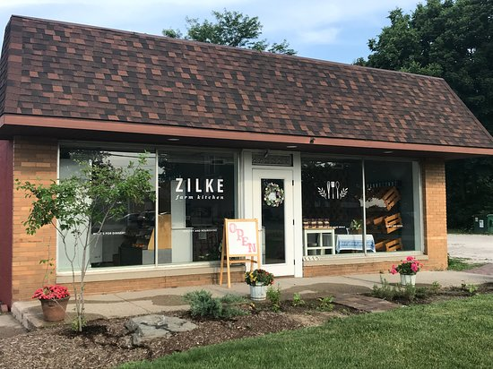 Zilke Farm Kitchen is located in Milan, MI at 1115 Dexter Street and offers ready-to-heat prepared foods and healthy meal kits.