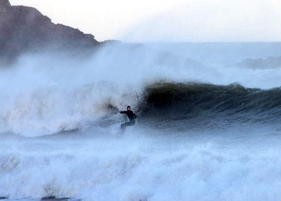 Coldingham, UK: Waves on a good swell