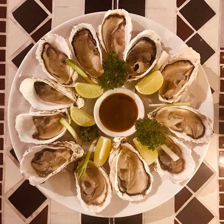 Chanh Bistro Rooftop Saigon LTT: Oysters