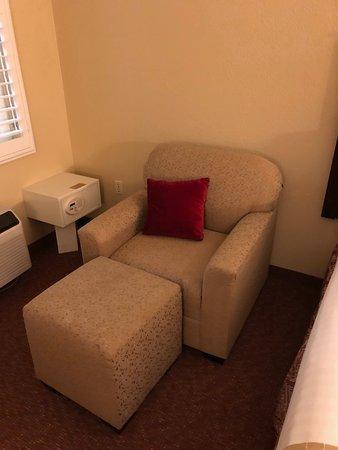 Best Western Dry Creek Inn: easy chair