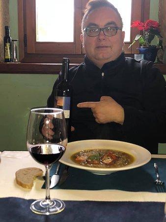 Delicioso vino y arroz con bogavante
