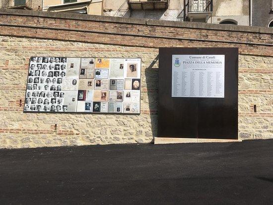 Casoli, Italy: Piazza della Memoria