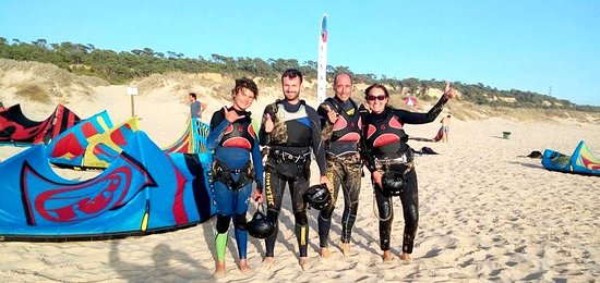 Super day kitesurfing in Costa Caparica, oir Spot in Fonte da Telha Beach.