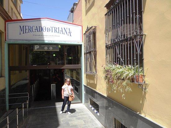 Mercado de Triana: NA ENTRADA DO MERCADO