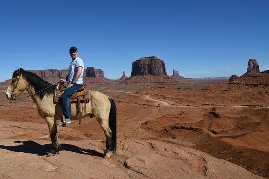 Novi Adventure Tours: Monument Valley