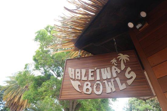 Haleiwa Bowls: cute little nipa hut on the roadside!