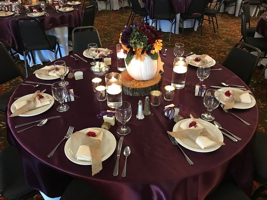 Menasha, WI: Another table setup with a different center piece