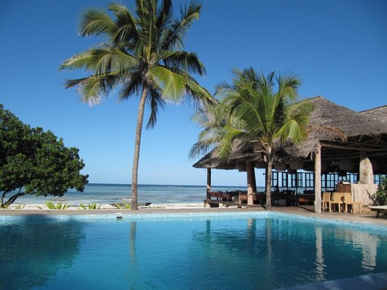 Zanzíbar, Tanzania: excited about the progress of tourism in Tanzania and the future for EastWind Adventure.