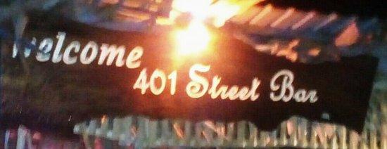 401 Street Bar