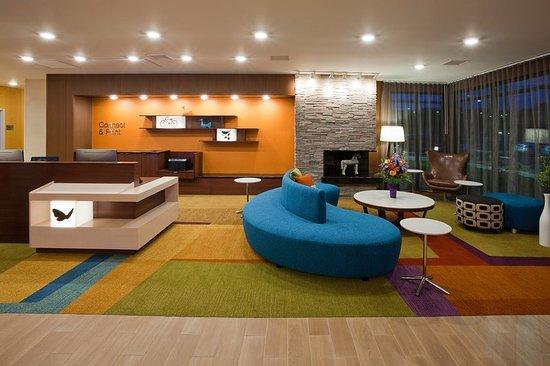 Vadnais Heights, MN: Lobby
