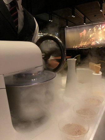 Dinner by Heston Blumenthal: The ice cream machine 1.