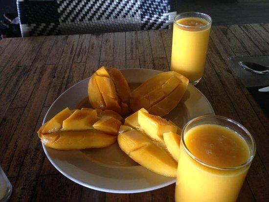Mangos and juice