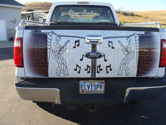 Fort Yates, นอร์ทดาโคตา: Elvis Fan.