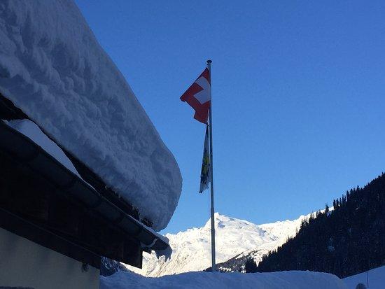 Splügen, Schweiz: Neve, neve, neve. Il Canton Grigioni è uno spettacolo bianco. Qui siamo a due passi da Splugen