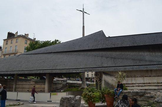 Place du Vieux-Marche: Jeanne D'arc emlékhely