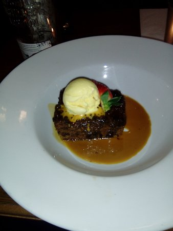 Sticky Toffee Pudding with ace cream
