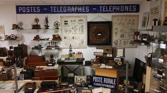 Neuville-sur-Seine, France: Télégraphes Téléphones avant La TSF