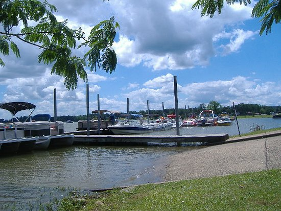 Pell City, AL: Boaters can use the ramp to access Lake Logan Martin