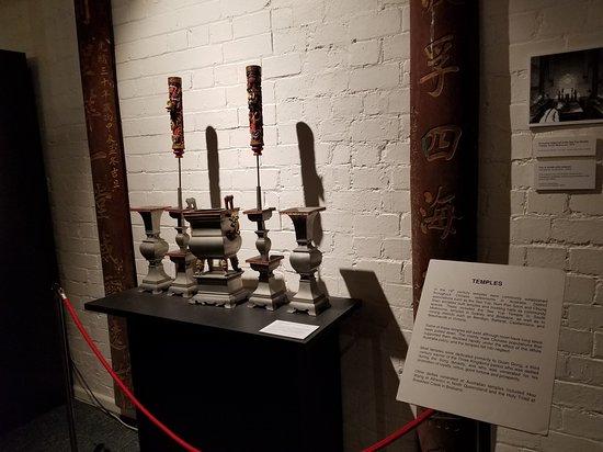 Displays of artifacts