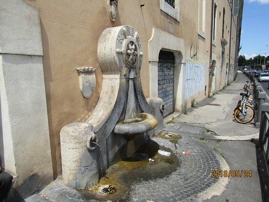 Fontana del Timone