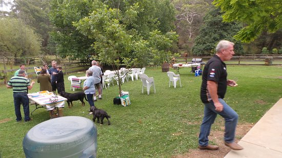 Southern Highlands, Australia: Guests arriving At Wyadra Brewing Tallong