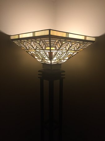 new style 37f4c e9e2d Frank Lloyd Wright floor lamp - Picture of Classic on Noble ...
