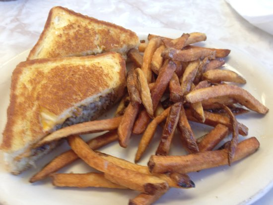 Amelia, OH: Goetta Grilled Cheese