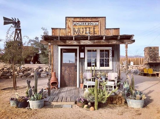 Shows wild west town hotel - Pioneertown