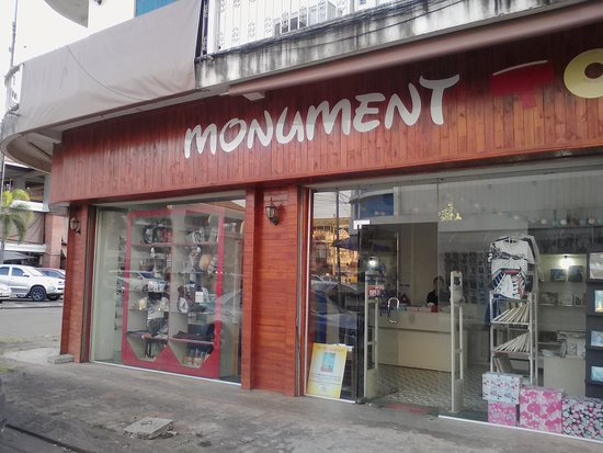 ‪‪Pakse‬, لاوس: monument books‬