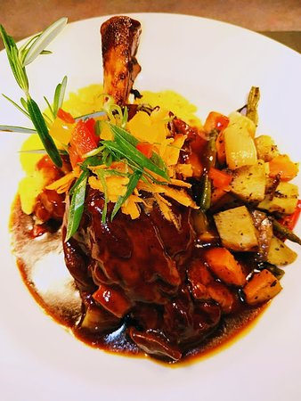 Snells Beach, Nieuw-Zeeland: Lamb Shank from our menu Guinness Bar- with pool tables, Gaming Lounge and All day menu that you could choose from we are open from 12pm to late. we also have a deck and courtyard for dining and dogs or pets are allowed in that area.