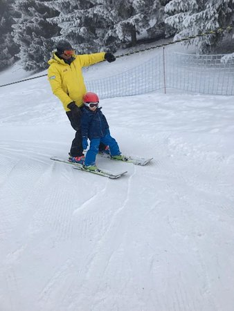 Les Gets Snowsports: Our 4-year old learning to ski!