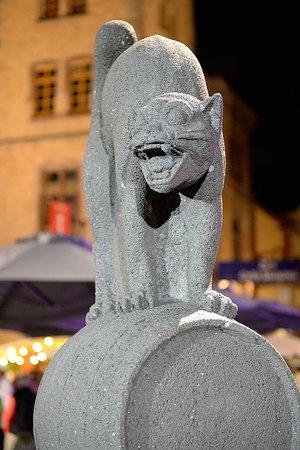 """Zeller Schwarze Katz""-Brunnen"