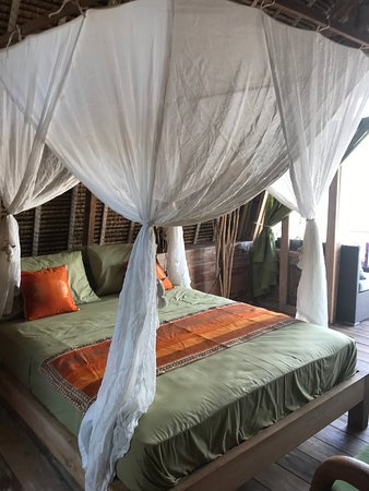 Gili Gede, Indonesien: Bedroom large bed