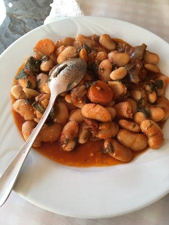Vyzantino Taverna: Recomiendo el calamar frito y los porotos al tomate. ¡Deliciosos!
