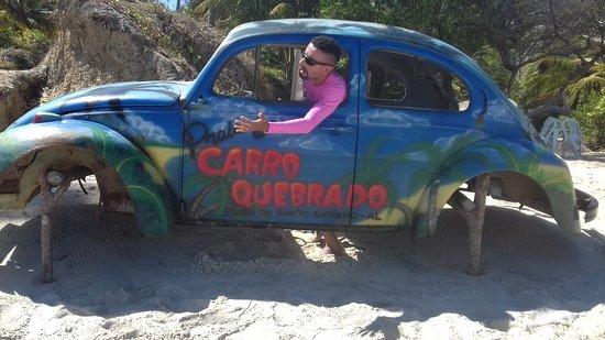 Carro Quebrado Beach: O famoso carro quebrado