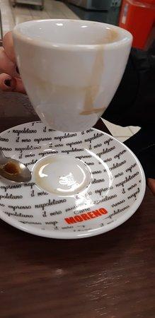 Melito di Napoli, Italy: Evitate di prendere il caffe qui! La tazzina è sempre sporca e il caffè è pessimo!