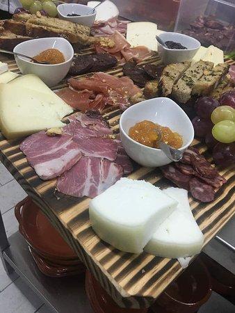 laminado de enchidos e queijos
