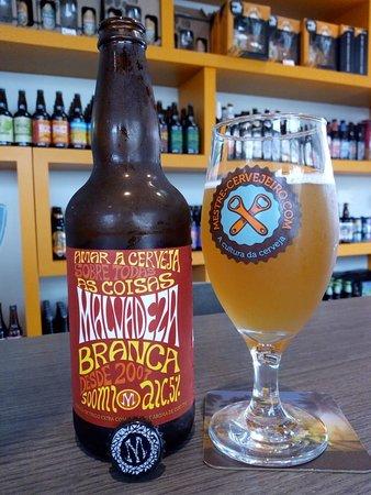 Cerveja Malvadeza é uma das preciosidades encontradas na loja