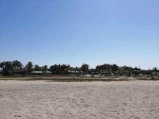 Popeye: Vista desde la playa hacia el restaurante
