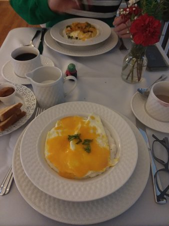 Pendleton, SC: Eggs, cheese and grits. Wonderful.