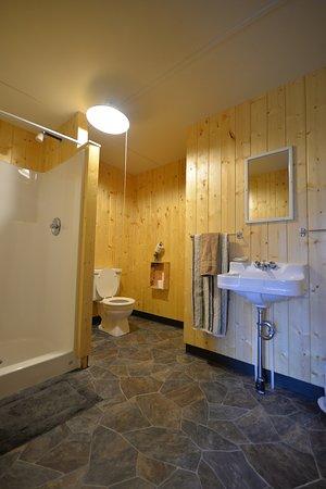 Kodiak National Wildlife Refuge, AK: One of our 4, new bathrooms.