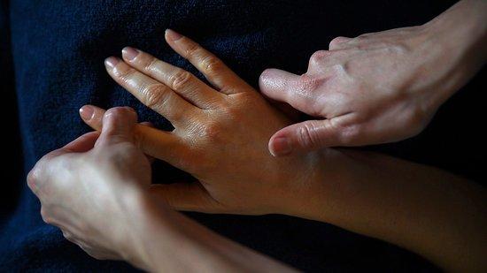 Cotes-d'Armor, France: Massage Ayurvédique
