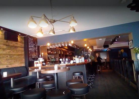 Elefanten Bar og Café