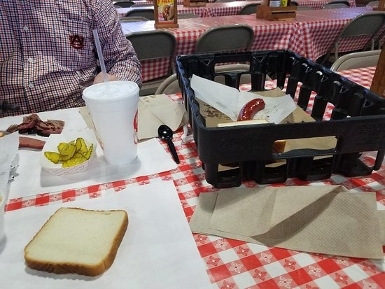 "Rudy's ""Country Store"" and Bar-B-Q: Good Food at Rudy's"